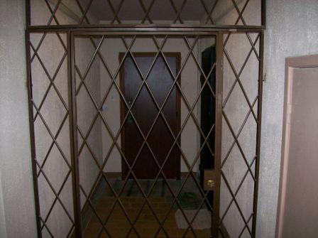 входная дверь в общий коридор
